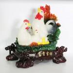 g018a gia dinh ga trang ben sen 1 150x150 Gia đình gà bên sen màu ngọc trắng G018A