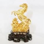 g108a ngua vang dang dung 150x150 Ngựa vàng đứng trên nguyên bảo lớn G108A