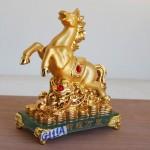 g111a ngua vang de thuy tinh 1 150x150 Ngựa vàng phi nước đại G111A