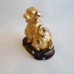 C017A tuong cho vang 3 150x150 Chó vàng ôm mâm vàng trên đế gỗ C017A