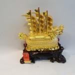 C186A thuyen rong 3 150x150 Thuyền buồm rồng vàng trên sóng vàng C186A