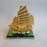 C189A thuyen buom trung 150x150 Thuyền buồm vàng bạch kim C189A