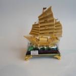 C190A thuyen buom nho 150x150 Thuyền vàng bạch kim đế thủy tinh C190A