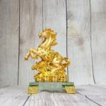 ln135 vua ngua vang bap cai 2 150x150 Vua ngựa vàng trên bắp cải vàng LN135