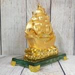 ln145 thuyen buom vang 150x150 Thuyền vàng căng buồm lướt sóng LN145