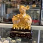 Chuột vàng ôm nén vàng TM010